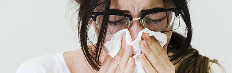 ¿Cuáles son los síntomas de rinitis? - HeelEspaña