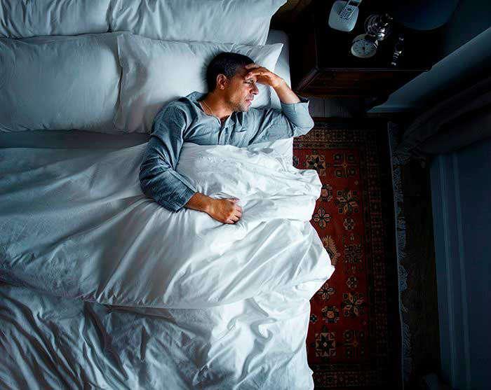Cómo nos ayuda la melatonina para poder dormir - HeelEspaña