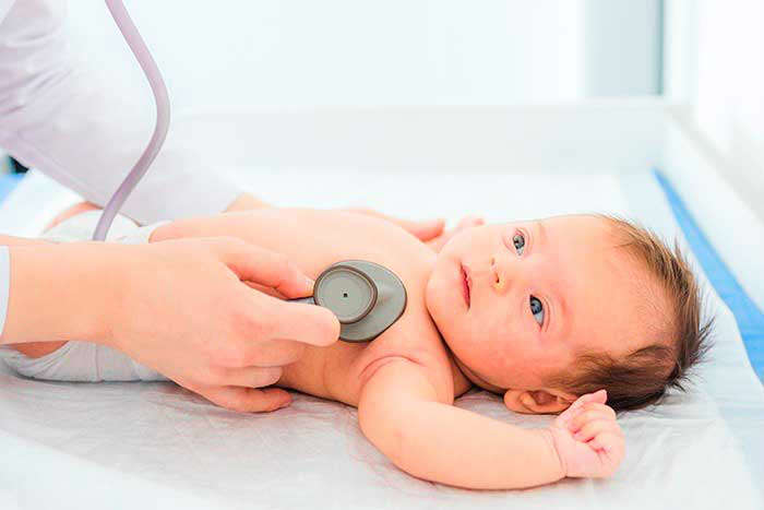 Detectar la tos crónica en niños - HeelEspaña