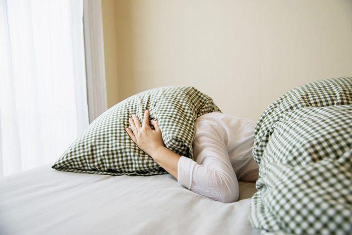 Por qué la fatiga pandémica provoca insomnio